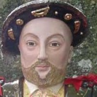 Busts and Heads Sculpture Statues statuettes Commissions Bespoke Custom Portrait Memorial Commemorative sculpture or statue by sculptor artist Lida Baas titled: 'Henry VIII' in Stoneware, glazed & gilded