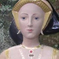 Busts and Heads Sculpture Statues statuettes Commissions Bespoke Custom Portrait Memorial Commemorative sculpture or statue by sculptor artist Lida Baas titled: 'Jane Seymour' in Stoneware, glazed & gilded