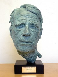 Foundry bronze Famous People Sculptures Statues sculpture by Graham High titled: 'ROBERT FROST (Finely Moddled Portrait Bust sculpture)'