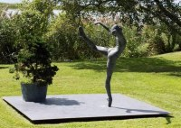 Bronze Famous People Sculptures Statues sculpture by Sterett-Gittings Kelsey titled: 'File #205 Attitude'
